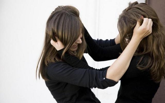 В драке за любовника херсонской девушке сломали челюсть