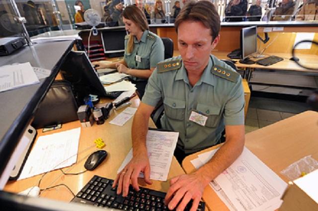 Власти заявили об отсутствии планов по закрытию границ России