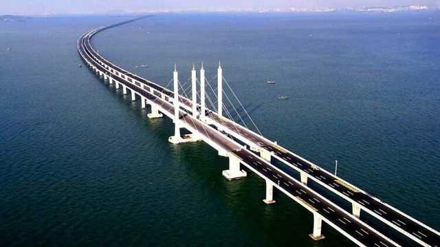 Путин признал, что России нужен мост на Сахалин, но его цена заставляет задуматься