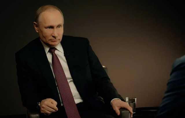 «Есть у меня внуки, они сладкие такие»: Путин рассказал, что сохранил моральные качества