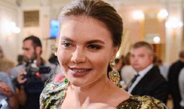 """""""Просто душка"""": любовница Путина сделала новый снимок с поклонниками"""