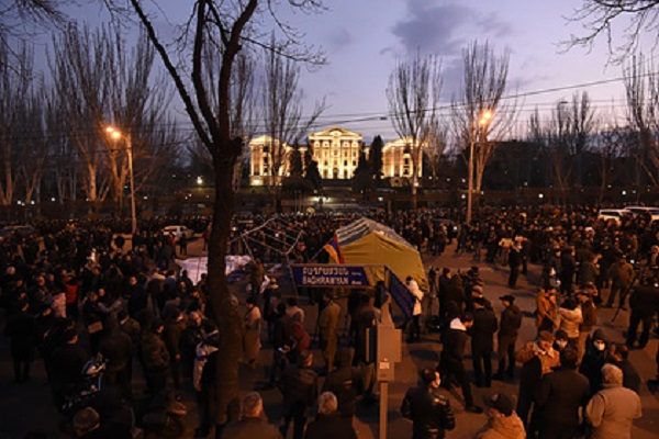 Песков не увидел угрозы соглашению по Карабаху из-за ситуации в Армении