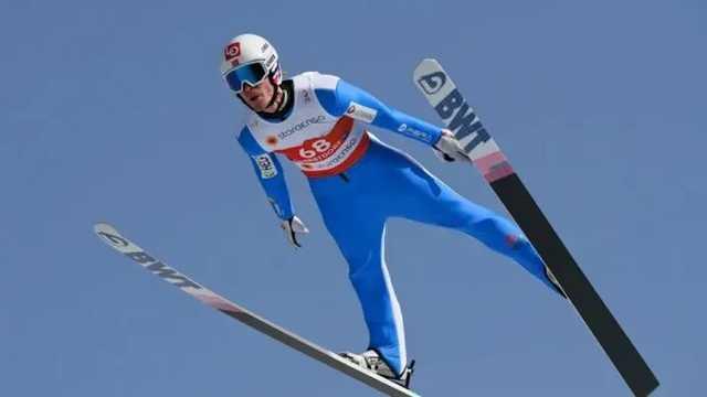 Норвежский прыгун с трамплина упал на скорости 100 км/ч, его ввели в кому
