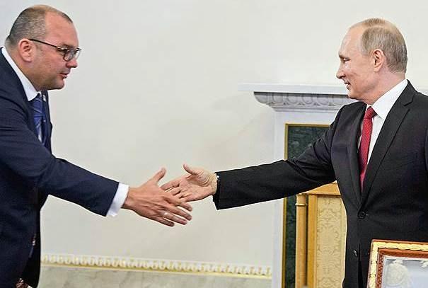 Путин наградил гендиректора ТАСС Сергея Михайлова. В Юрмале он владеет элитной недвижимостью