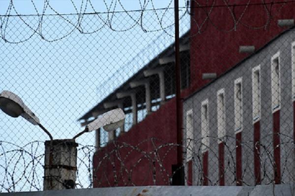 В московском СИЗО накрыли поставщиков мобильных телефонов заключенным