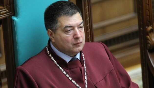 Тупицкий борется за власть в КС и требует докладывать об угрозах судьям – документ