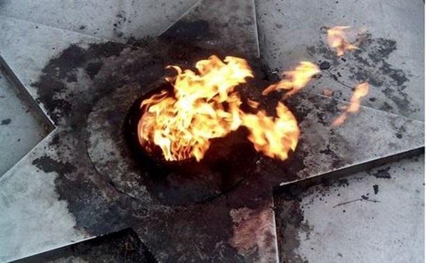 Полиция задержала в Подмосковье готовившую яичницу на Вечном огне женщину