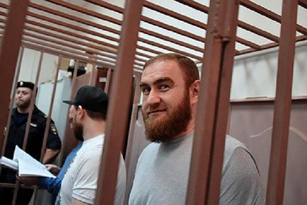 Бывшего сенатора Арашукова и его отца отправили под суд за убийства и хищения