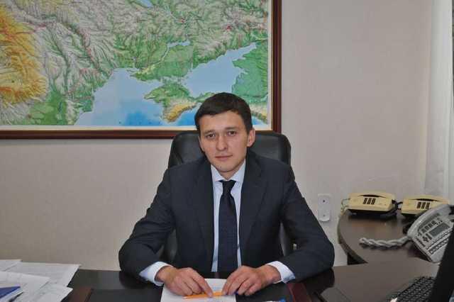 Отберут квартиры и землю: семья Матиоса скупила долги украинцев на миллионы