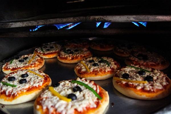 Организаторы подпольного банка выдали себя полиции доставкой пиццы в офис