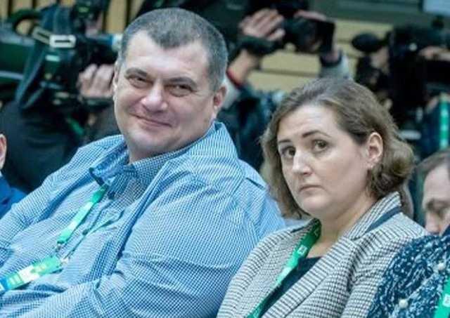 """После того, как Корявченков (Юзик) был избран нардепом от """"Слуги народа"""", его жена стала успешной бизнесвумен"""