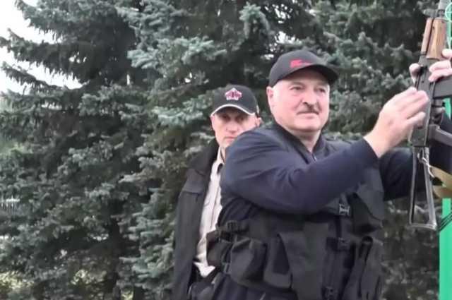 """""""Если президента застрелят"""": Лукашенко подпишет декрет о передаче власти"""
