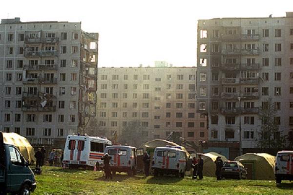 Врач рассказал о первых минутах после взрыва дома на улице Гурьянова в Москве