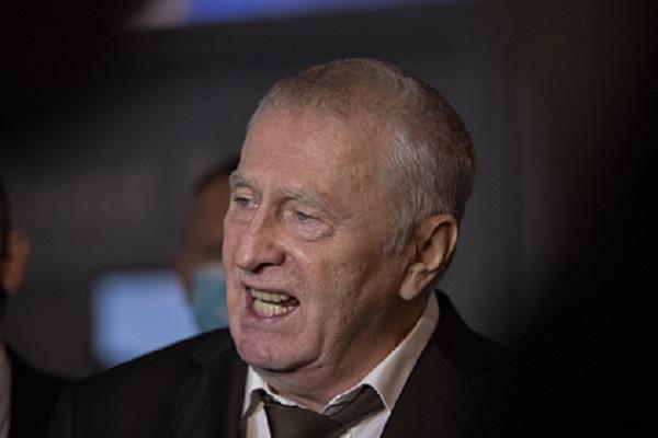Жириновский пригрозил отправить десантный полк на турнир по шашкам в Польше