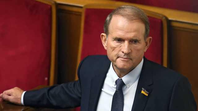 Медведчук стал рекордсменом по количеству шуб в декларациях нардепов