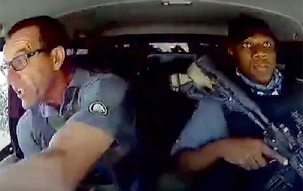 В ЮАР нападение на инкассаторский автомобиль попало на видео