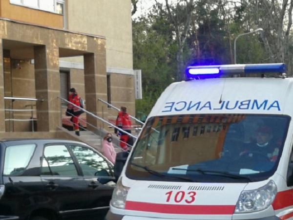 Загадочное отравление в Киеве: госпитализированы семья и трое врачей скорой помощи