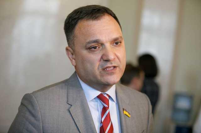 Нардеп засветил порносайт на телефоне в зале Рады: в сети назвали имя, член ОПЗЖ ответил