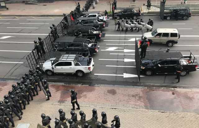 В Москве сорвали спектакль «Соседи» о протестах в Белоруссии