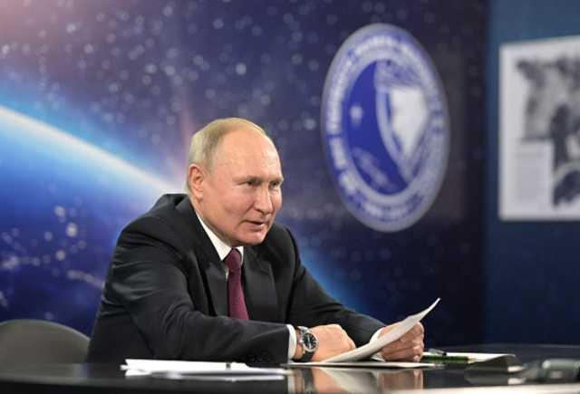 Российские миллиардеры и «Роснефть» подали в суд на издателя книги «Люди Путина»