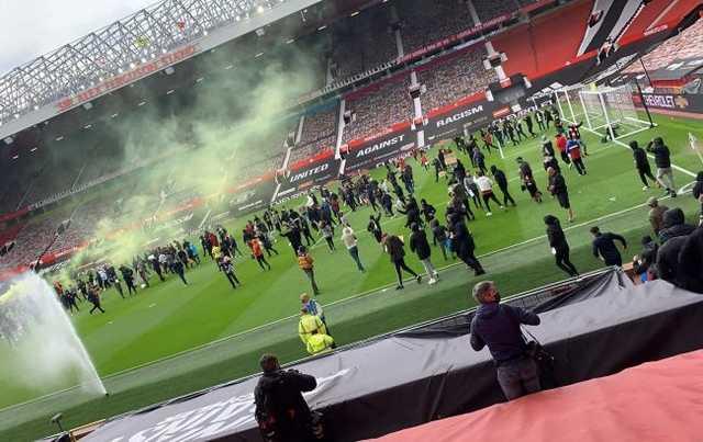 """Протест на """"Олд Траффорд"""": владельцы МЮ потрясены действиями болельщиков"""
