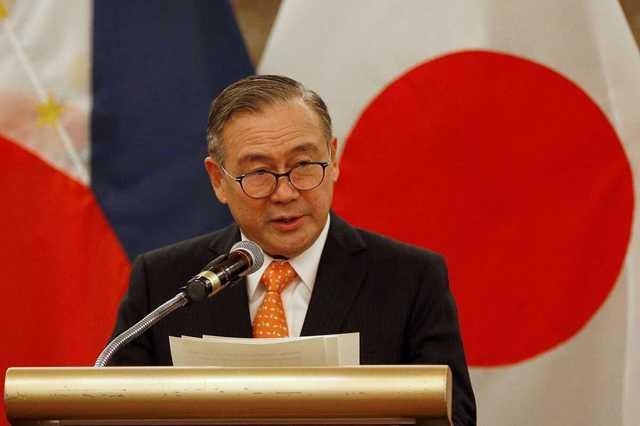 Глава МИД Филиппин матом потребовал от Китая вывести суда из спорных вод