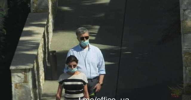 Порошенко в маске, а Кононенко - без: в Сеть слили фото с отдыха на Кипре