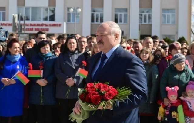 Лукашенко разжаловал отца основателя телеграм-канала NEXTA