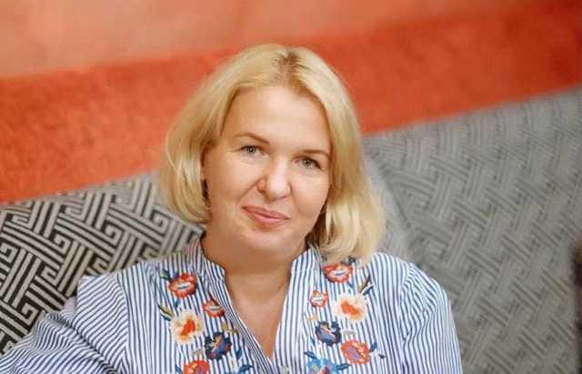 Замдиректора «Укрмедпостач» владеет особняком под Киевом и содержит мужа
