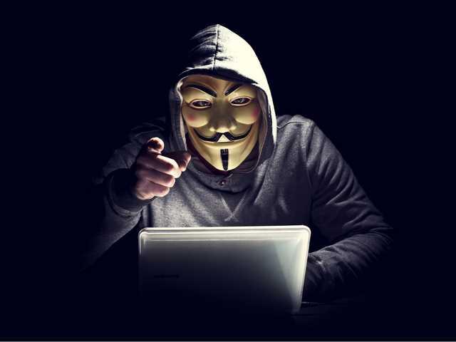 Как насильники, педофилы, жулики и уголовники делают себе биографию в интернете