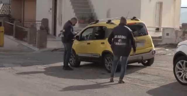 В Италии полиция поймала за рулем пенсионера, который десять лет притворялся слепым