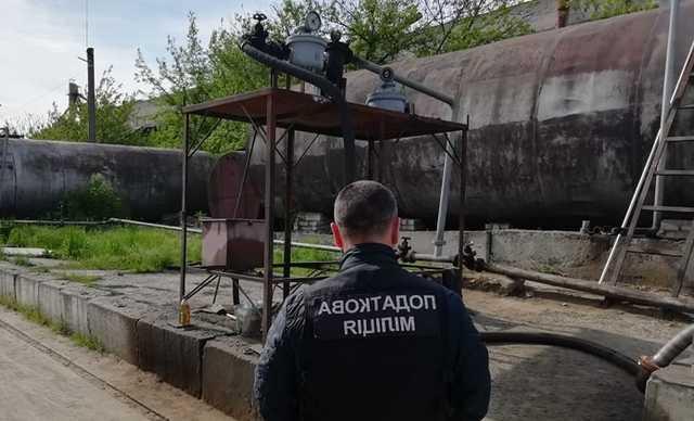 В Херсоне нашли подпольный нефтеперерабатывающий завод