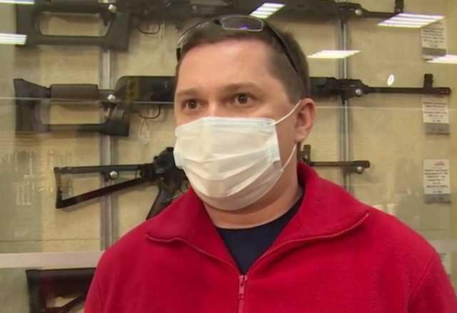 Продавец объяснил, почему продал оружие казанскому стрелку