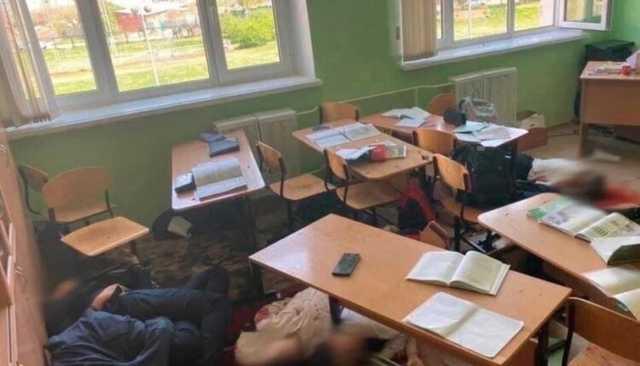 Раненный при расстреле школы в Казани мальчик – в искусственной коме. Что известно о состоянии детей