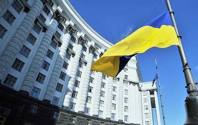 Госсекретарь Мининфраструктуры Бучко ездит на авто за 800 тыс. грн и живет в большом доме, но имеет небольшие официальные доходы