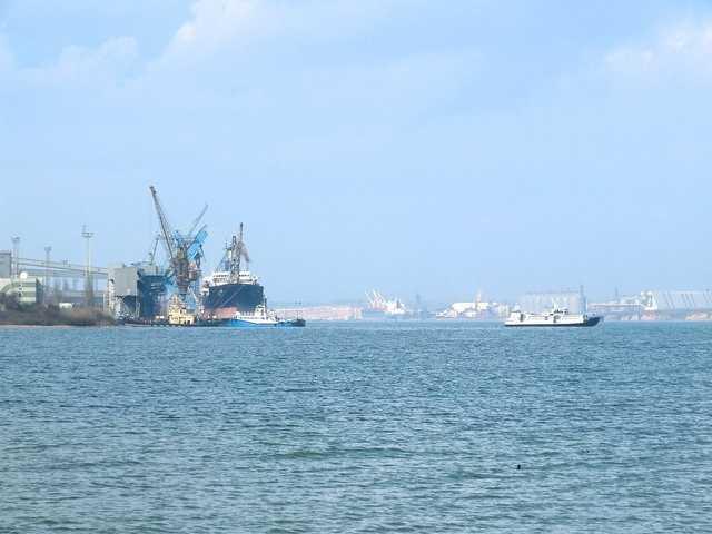 Порт ТИС заподозрили в схемах по неуплате налогов – СМИ