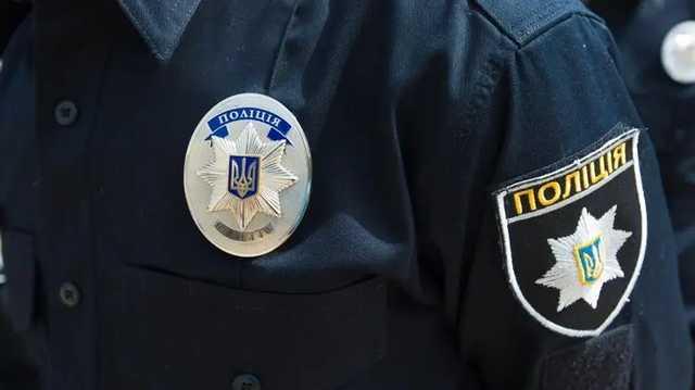 Банда в балаклавах обстреляла авто в Одессе. Водитель получил ранение