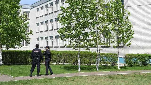 """В Казани спустя четыре дня после теракта """"заминировали"""" пятнадцать школ"""
