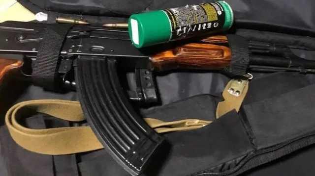 В Киеве ночью вооруженная банда в балаклавах вынесла сейф с деньгами из офиса