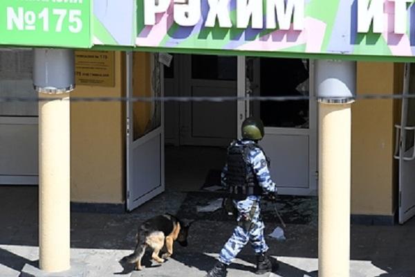 Напавшего на школу в Казани задержал безоружный полицейский в отпуске