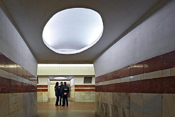 Бывшего офицера полиции изнасиловали в московском метро