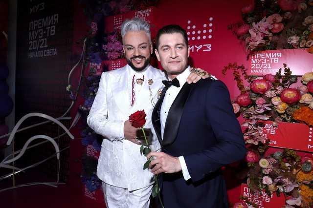 Премию Муз-ТВ проверят на пропаганду ЛГБТ-ценностей из-за Киркорова и Ко