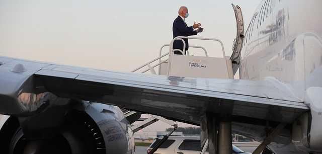 Цикады сорвали вылет из Вашингтона самолёта с журналистами пула Байдена