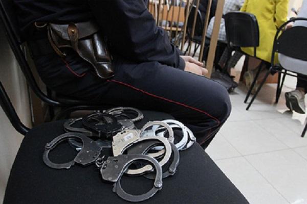 11 полицейских осудили в Москве за грабеж под видом оперативных мероприятий
