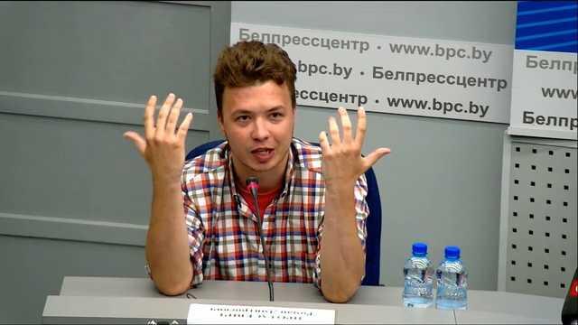 Журналист ВВС ушел в начале пресс-конференции с участием Протасевича