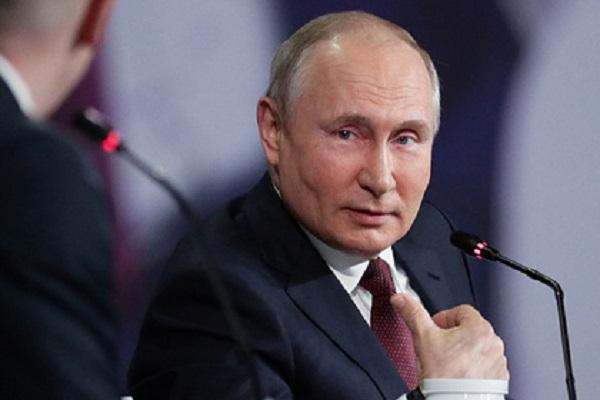 Путин ответил на вопрос о боязни оппозиции фразой «это смешно»