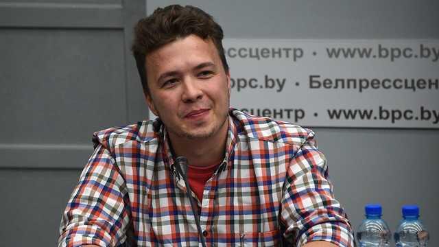 Протасевич задал журналистам «политическую загадку»