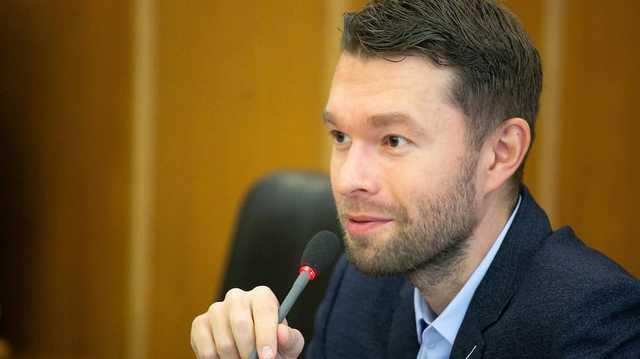 Вихарев Алексей Андреевич: биография казнокрада и подельника бандитов ОПГ Уралмаш