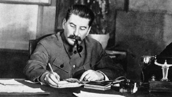 Переиграл сам себя. Как Сталин прозевал упреждающий удар Гитлера