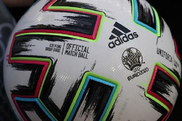 Футболист умер на матче любительских команд в Москве